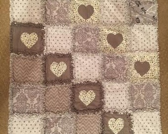 Gray-Heart Rag Quilt