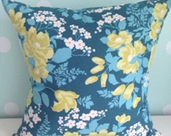 """Pillow: Sophisticated Floral Fantasy (18""""x18"""")"""