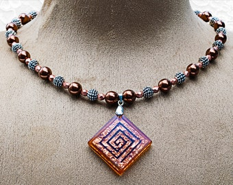 Copper Crystal Fashion Necklace .