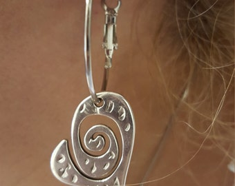 Hoop earrings with hearts in zama (the circle you can replace it with steel hook)