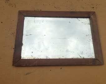Rectangular mirror in wood and beveled glass!