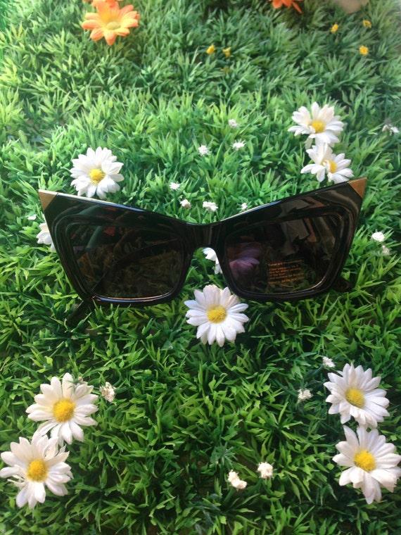 Crazy Lady Gaga sunglasses