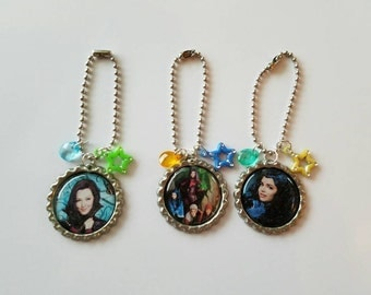 10 Pieces -DESCENDANTS  zipper pulls paty favors