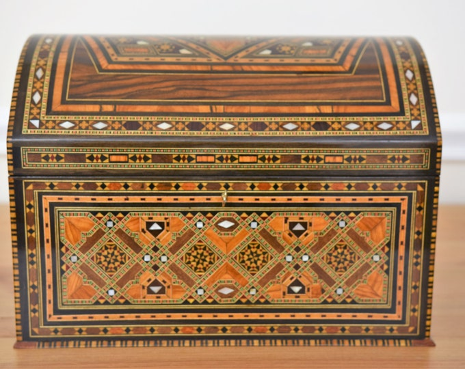 Marquetry Jewelry Box - Jewelry inlaid wooden box