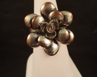 Aged Silver Flower Ring