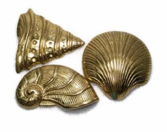 Vintage Sea Shells Wall Decor Beach Cottage Brass Shells Wall Hanging Set of 3 Coastal Beach Nautical Nursery or Bath
