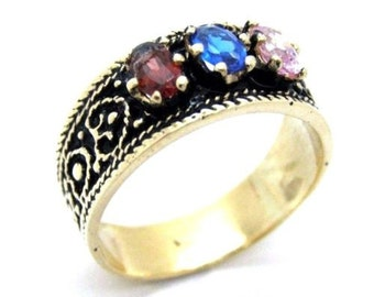 10k Yellow Gold Three Stone Mother's Ring In Antique Finish