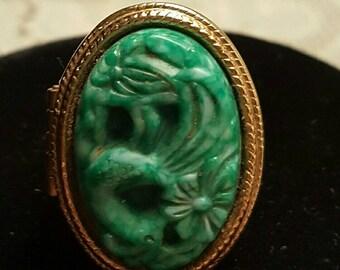 Vintage Poison ring...Avon..carved lucite perfume poison ring