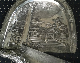 Japanese Crumb Scraper/Tray
