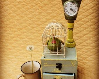 Silly Chicken Clock - 1.42ft