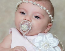 Pearl beaded pacifier holder set. 4 in 1 pearl pacifier holder, Necklace, bracelet, pacifier holder, Flower head band