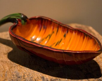 Ceramic leave / candy holder