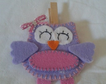 Felt OWL paperweight with wooden clothespin