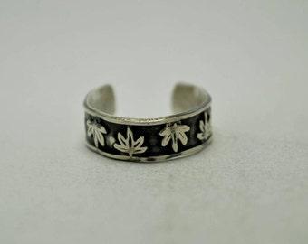 T23E03 Vintage Deco Style Leaf Pattern 925 Sterling Silver Adjustable Ring Sz 2 - 4