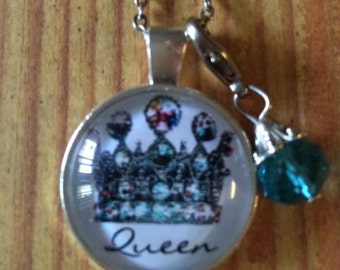 It's Good to be the Queen Pendant