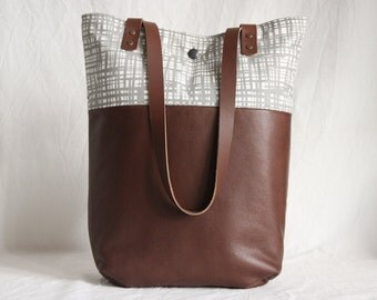 Shoulder bag leather and canvas