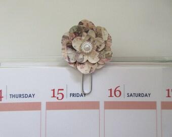 Patterned Flower Planner Clip