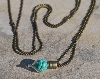 Teal bead pendant necklace