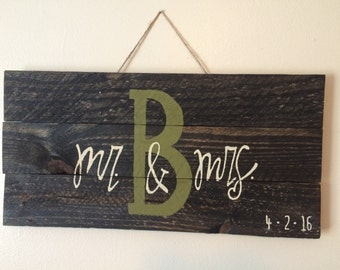 Mr and Mrs Pallet Board-WITH DATE