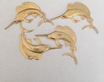 2 Breloques, Poissons Espadons en relief, or