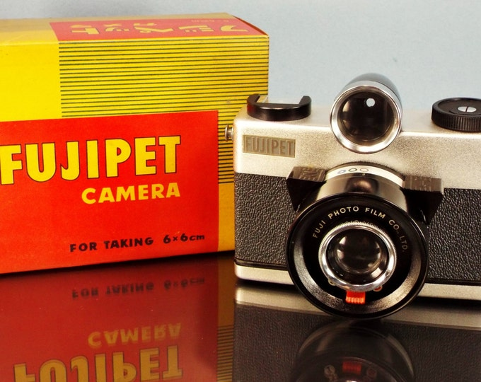 Rare 1958 Fujipet 6x6 cm Medium Format 120 Film Camera - Original Box,User's Book, Strap, Warranty Card - Works Perfectly - Fully Tested!