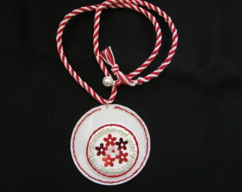 Necklace flowers dance