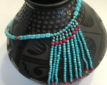Magnesite, jade and pearls beaded necklace