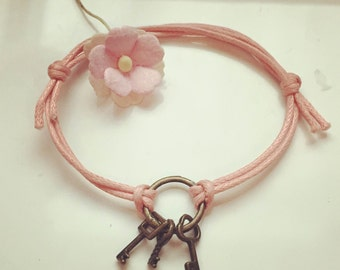 Key - blogger, key, key to Halim on a bracelet in pink, waxed cotton, vintage, statement,