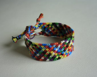 Friendship Bracelet, multicolored tiles / Friendship bracelet, multicolored tiles pattern