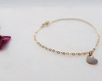 Gold filled bracelet with heart pendant