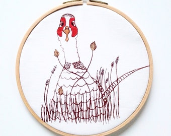 Knöf pheasant in the embroidery ring for the wall