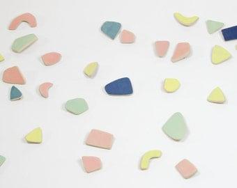 B R O C H E S / / pin pattern terrazzo / pastel colors / ceramic fashion accessory / jewel collar / chips / confetti / Badge / pins