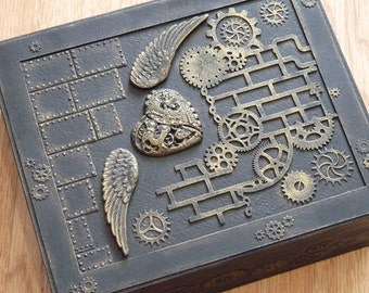 Steampunk Box / steampunk jewelry box / Steampunk /  vintage style / steampunk accessories / victorian / gears / vintage / wooden box /