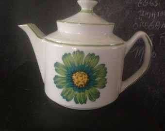 Teapot Dalia Flower Power China Four Cup Turquoise Green Yellow White Retro Seventies