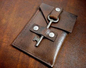 Leather Business Card Holder with Vintage Key Closure - Business Card Case - Brown Leather Card Wallet