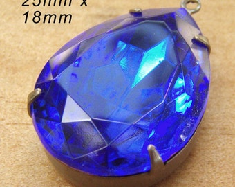 Sapphire Blue Glass Pendant, 25mm x 18mm Pear or Teardrop, Patina Brass Setting, Royal Blue, Set Rhinestone, Glass Jewel, Glass Bead or Gem