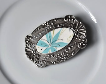 Recycled China Belt Buckle - Blue Flower
