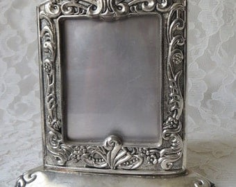 Vintage Godinger Photo Frame 3 Sided, Silver Plate Floral Ornate, Holds 2-1/4 x 3 Inch Photos