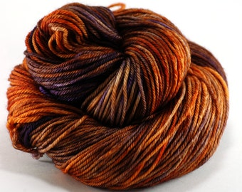 Orange Purple Hand-dyed Worsted Weight Yarn, hand dyed merino wool shawl yarn, sock yarn - The Great Pumpkin