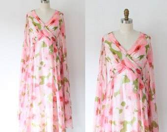 Vintage White Floral Flare Sleeve Maxi Dress