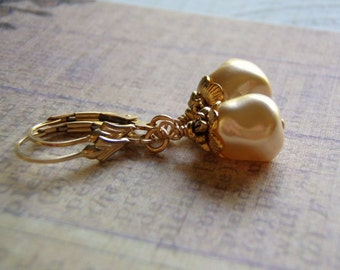 Pearl Earrings 14 k Gold Filled Ear Wire 9 mm Ivory Square Glass Pearl Dangle Gift Boxed