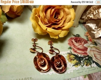 Vintage 1950s Copper Cowboy Hat Figural Dangle Earrings Retro Mid Century Jewelry Screwback
