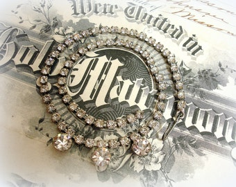 vintage rhinestone necklace perfect for layering single row rhinestone chain with 3 large solitaires prong set rhinestones adjustable length