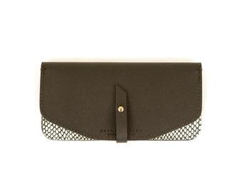 Maxi Wallet- Black Leather, Dots