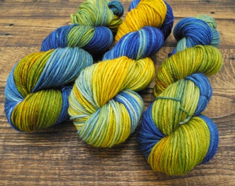 Very Starry - Hand Dyed Worsted Weight Yarn, Superwash Worsted Merino  - In Stock