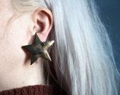brite nite gold star earrings / statement earrings / geometric earrings / 840a