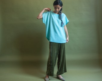 baby blue woven boxy top / oversized dolman sleeve top / woven shirt / m / 315t / B18