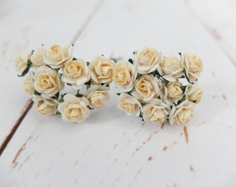 20 rose - 10mm two tones cream yellow roses - 1 cm paper rose with wire stems