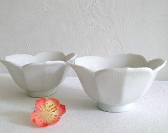 Vintage Porcelain Lotus Japanese Rice Bowl