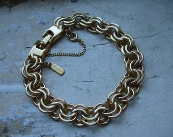 FREE SHIPPING Vintage Goldtone Chunky Chain Monet Bracelet